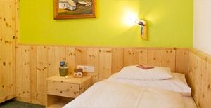 doppelzimmer-lech-zuers-hotel-mohnenfluh-1b