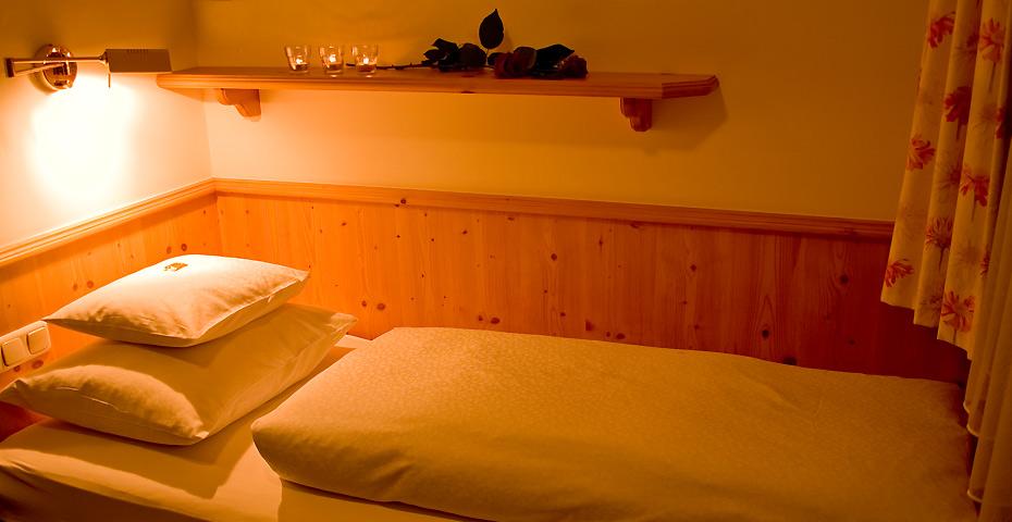 Lech Hotel Einbett Zimmer