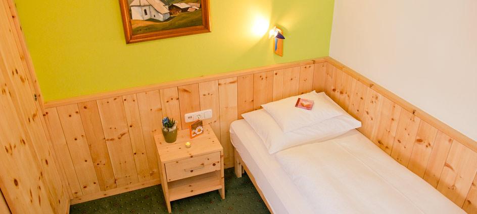 hotel-in-lech-zuers-4-sterne-roggal-12a